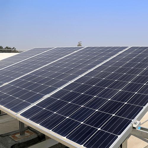 Instalación de paneles solares fotovoltaicos